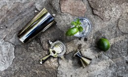 stone-pic-tools